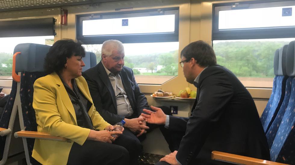 Minister dopravy preveril možnosti obnovenia osobnej dopravy na trati Zvolen – Šahy.