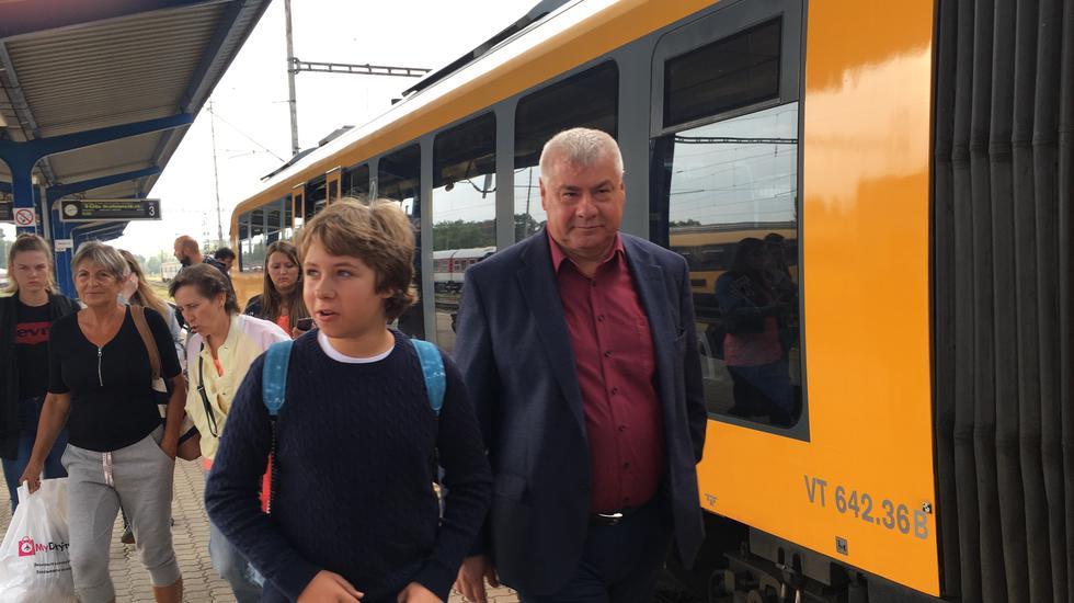 Minister dopravy v rámci kampane #ideminak kontroloval vlaky