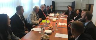 Minister dopravy Arpád Érsek rokoval smaďarským kolegom Lászlóom Mosóczim orozvoji cestnej aželezničnej dopravy
