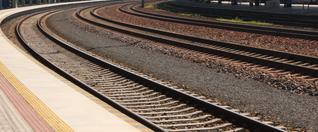 Cestujúcich vKvetoslavove aďalších obciach čakajú obnovené železničné stanice
