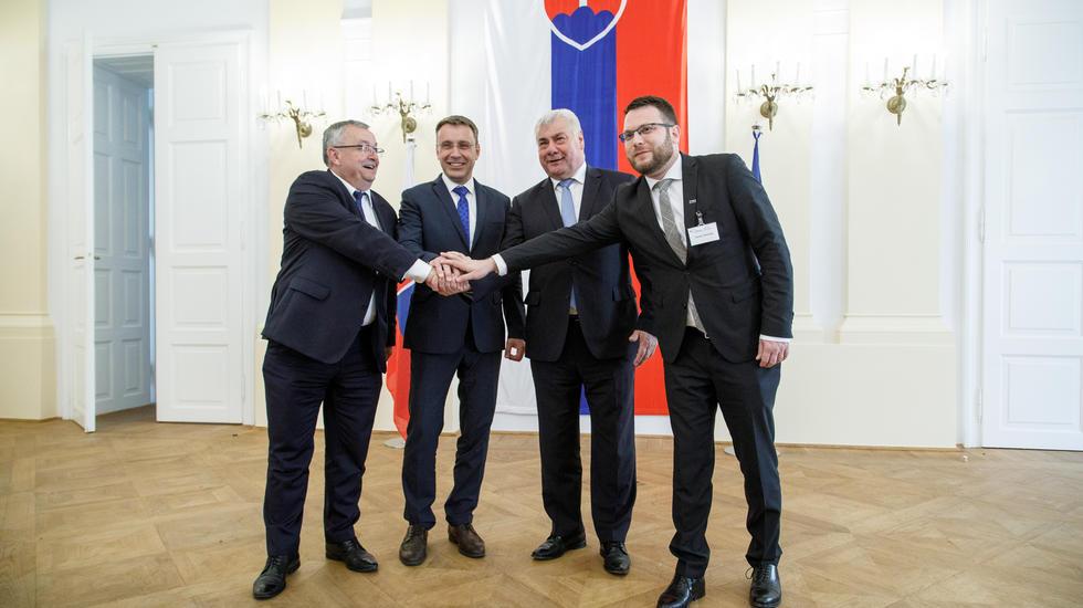 Ministri dopravy krajín V4 rokovali o spoločných dopravných projektoch
