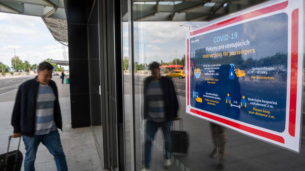 Na Slovensku sa uvoľnili lety, pre cestujúcich je prístupný online formulár