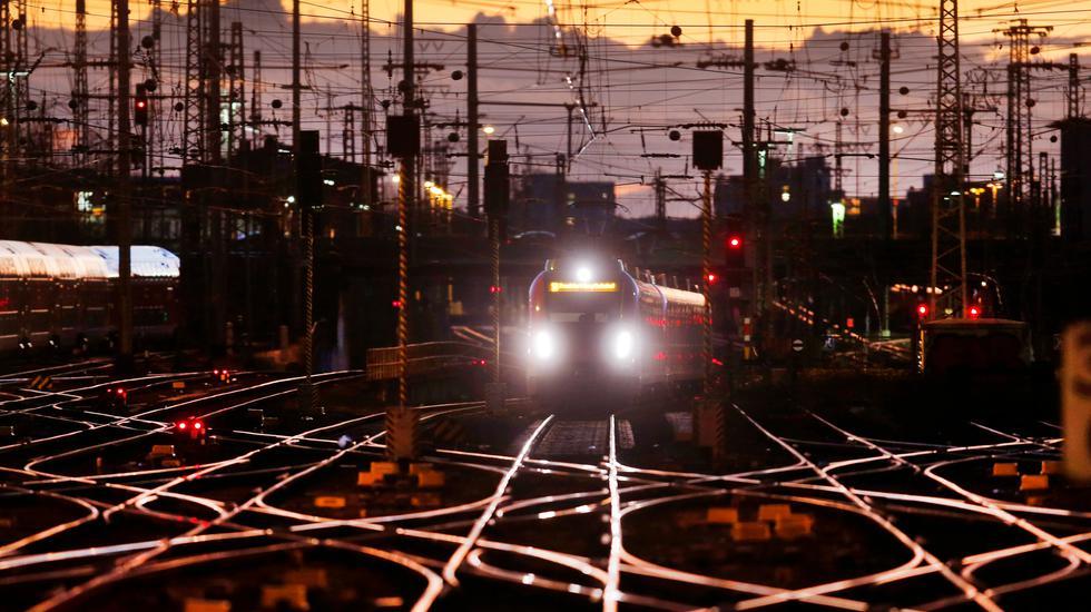 Železnice na Záhorí zmodernizujú. Nasledovať budú ďalšie, tvrdí minister dopravy