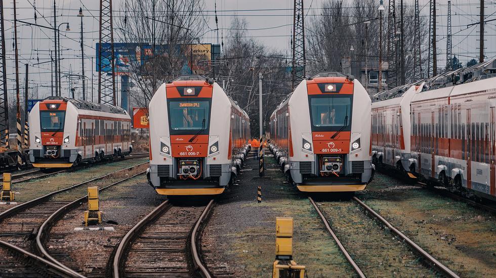 Pre nedostatok rušňovodičov a vlakvedúcich dočasne obmedzujeme niektoré železničné spoje