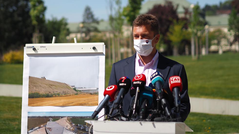 Minister dopravy Andrej Doležal bude žiadať odstránenie problematického násypu pod D4 ako aj ekoaudit ďalších úsekov bratislavského obchvatu